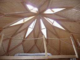 plafond en forme d'étoile.jpg