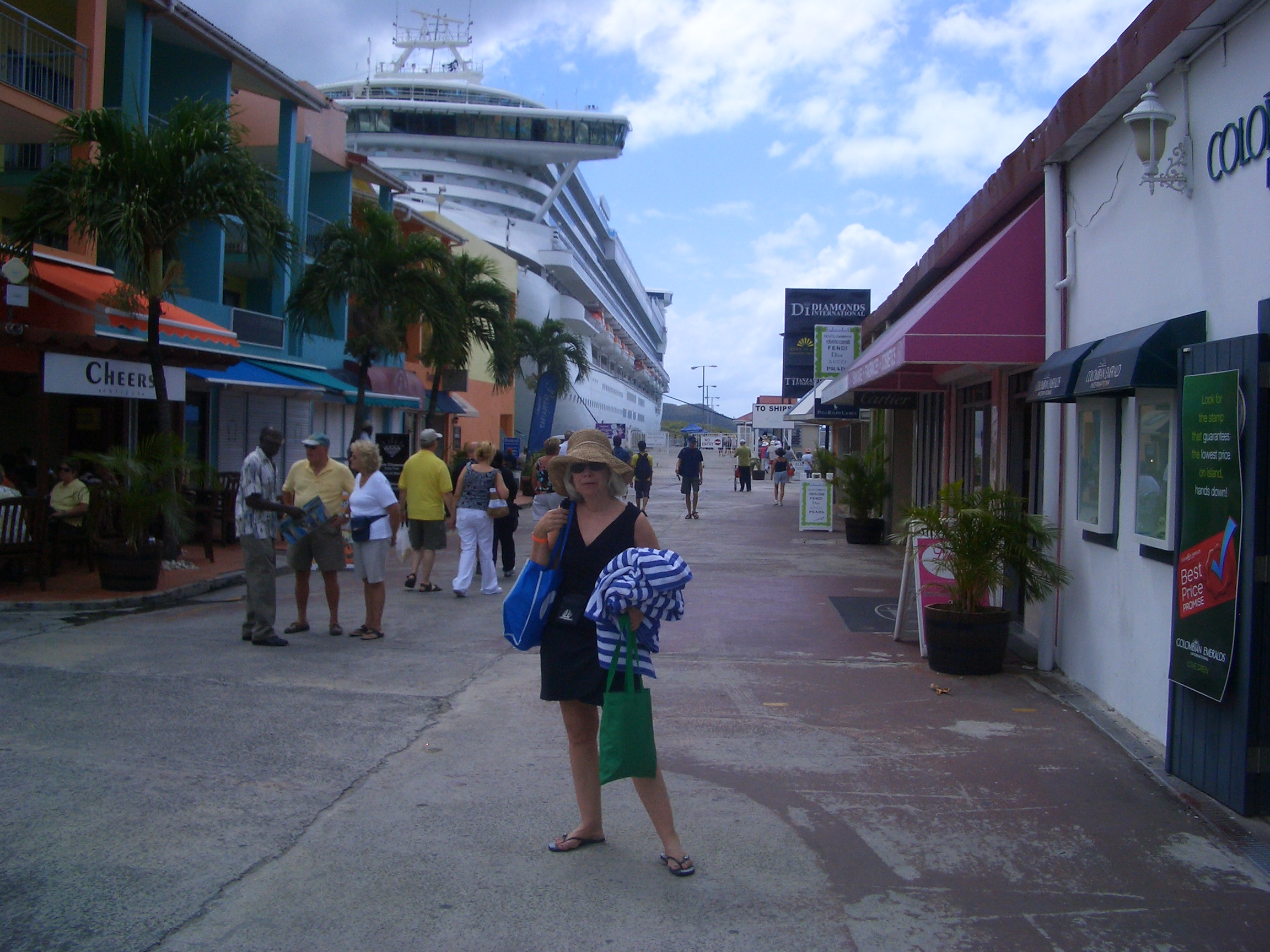 Ship at Aruba
