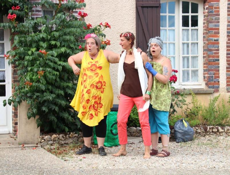 Trio clown Julia Delphine Audrey.jpg
