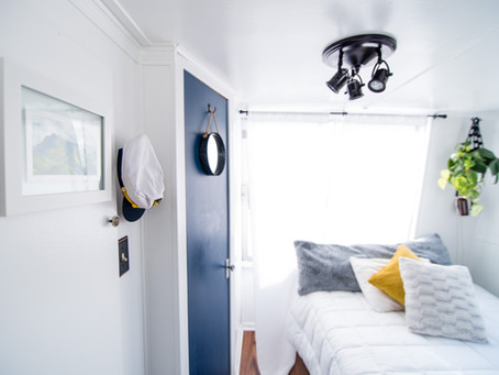5 ways to make a small room feel bigger