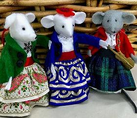 Christmas mice.jpg