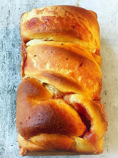 650 gm .Pan de Guayaba y Queso Crema