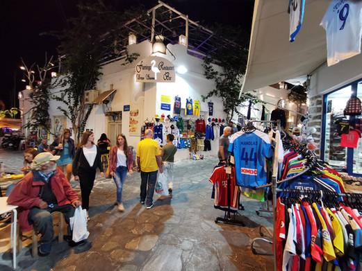 Greek Pavilion night shopping in Greek i