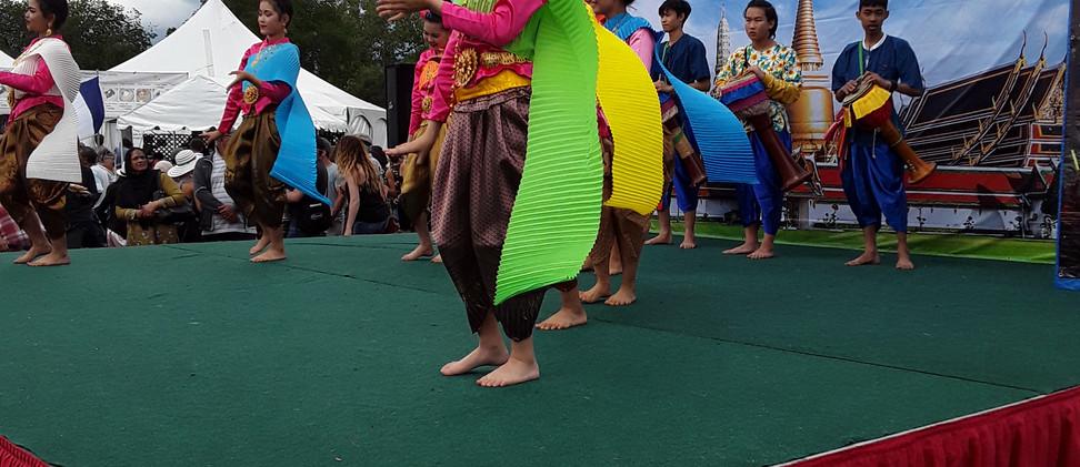 ATA EHF Thai Dancers 1.jpg