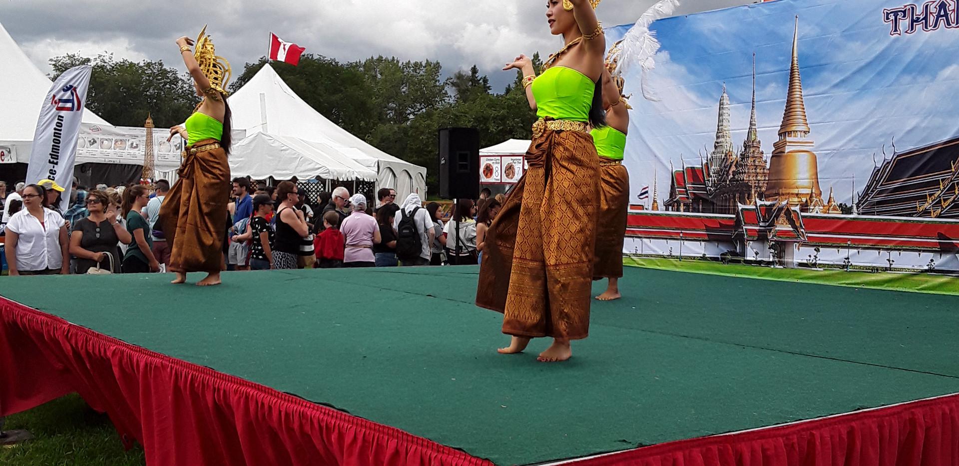 ATA EHF Thai Dancers 3.jpg