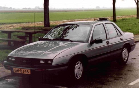 001-CHEVROLET-CORSICA-1993-1.jpg