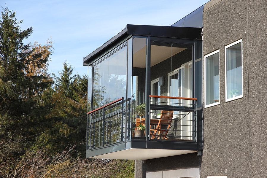 zasklenie-balkony-01.jpg