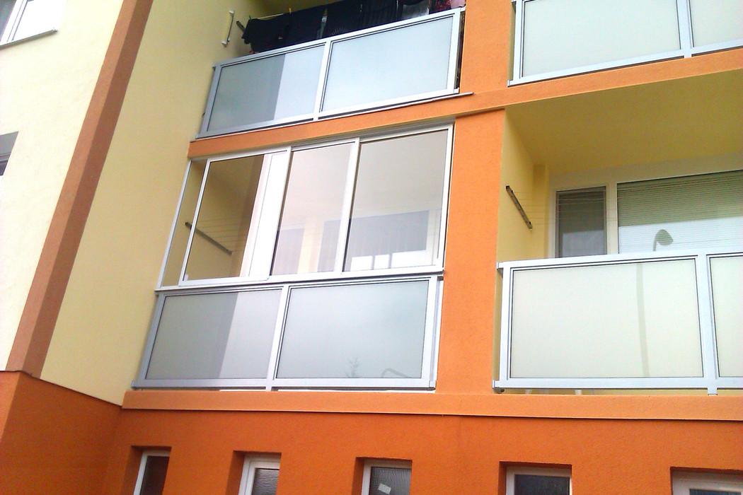 zasklenie-balkony-24.jpg
