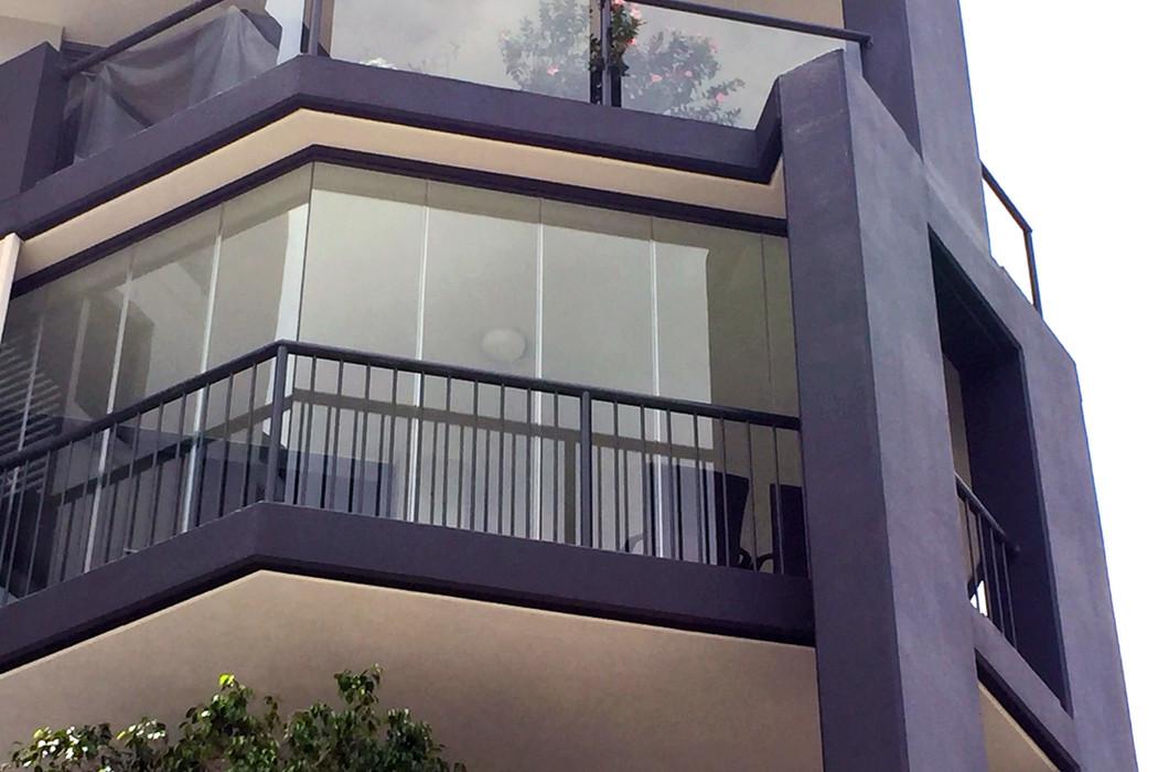 zasklenie-balkony-22.jpg