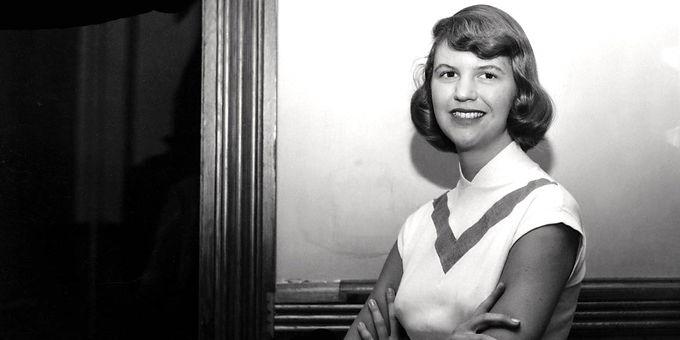 Desalinhando Sylvia Plath: a escritora imortal