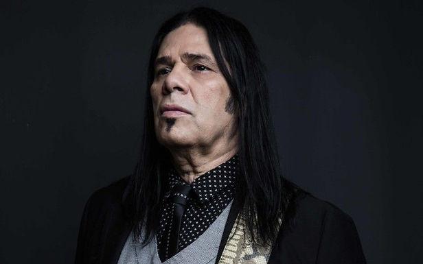 Desalinhando Pepeu Gomes: o guitarrista revolucionário