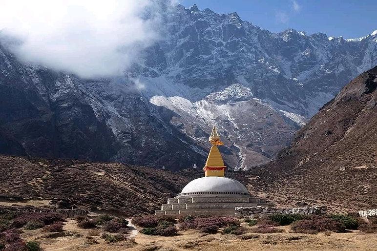Chorten near Lungden, Khumbu region, Nepal