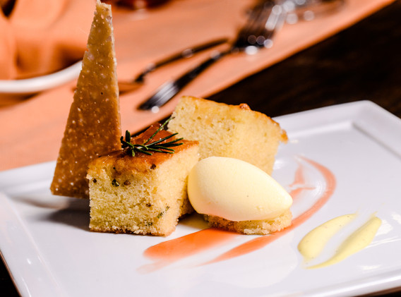 m-culinary_tuscan-olive-oil-cake.jpg