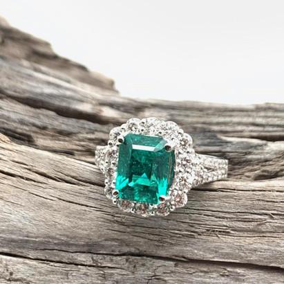 Emerald-Ring03.jpg