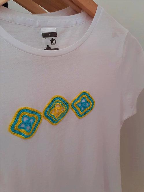 T-shirt Adulto Motivo Amarelo e Azul