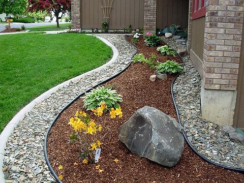 Omaha-Front-Yard-Landscaping-Ideas.jpeg