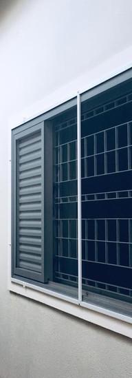 intalação de tela mosquiteiro janelas residenciais.jpeg