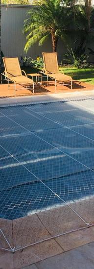 tela de proteção para piscinas residenciais.jpeg