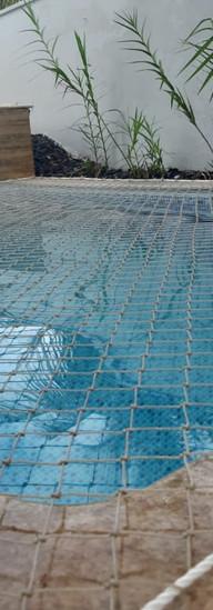 rede proteção piscina cachorro.jpeg