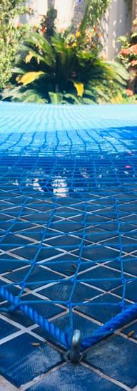 rede proteção piscina gato.jpeg
