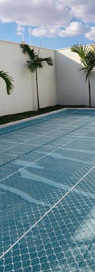 rede de proteção piscina criança.jpeg
