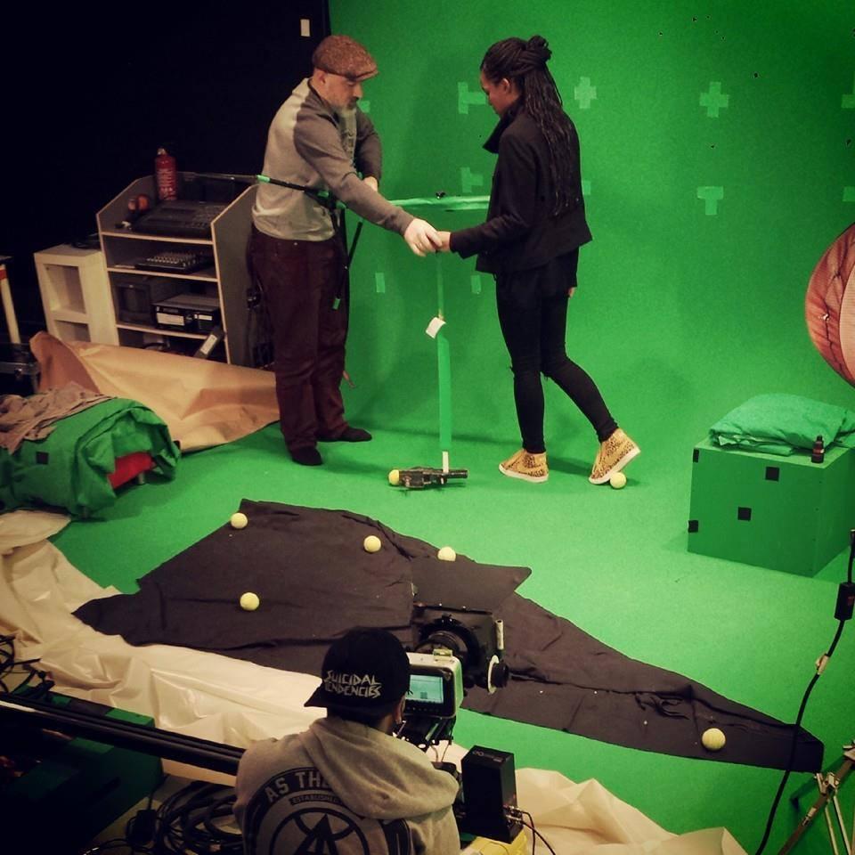 Studio green screen tetes a clap