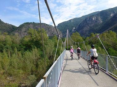 cycling-stresa-lake-maggiore.jpg