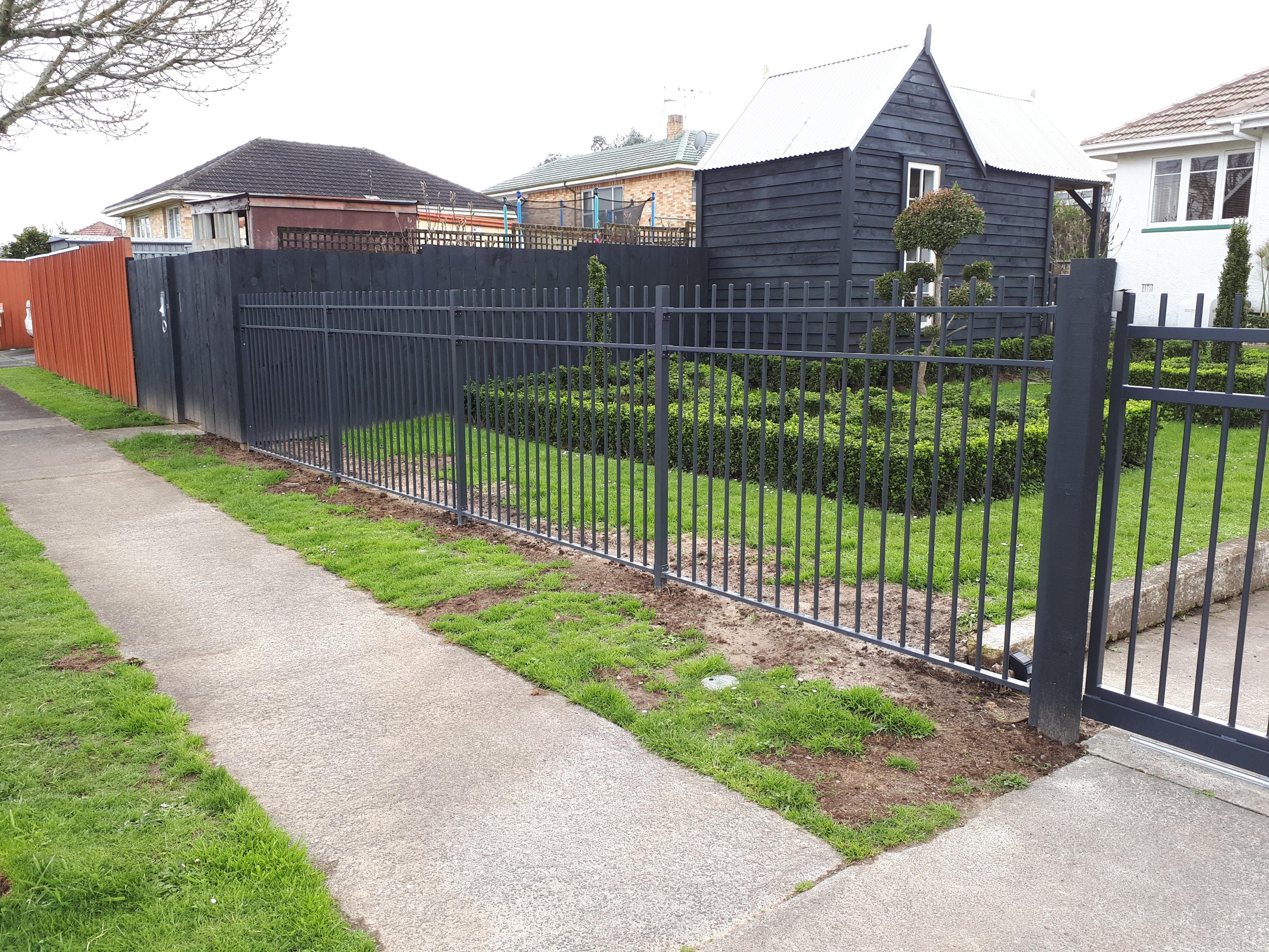CDM10 fencing