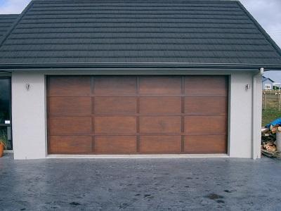 Standard ply-batten sectional door