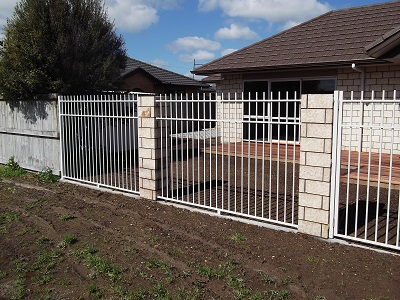 Aluminium security inset fencing