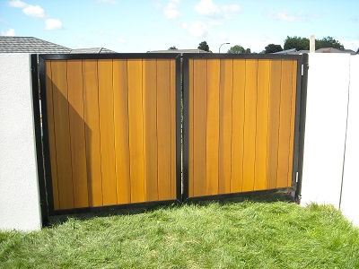 Double_swinging_cedar_clad_gates_1