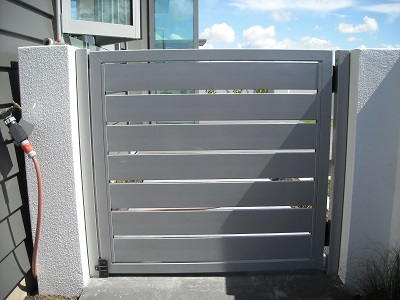 Aluminium custom panel gate