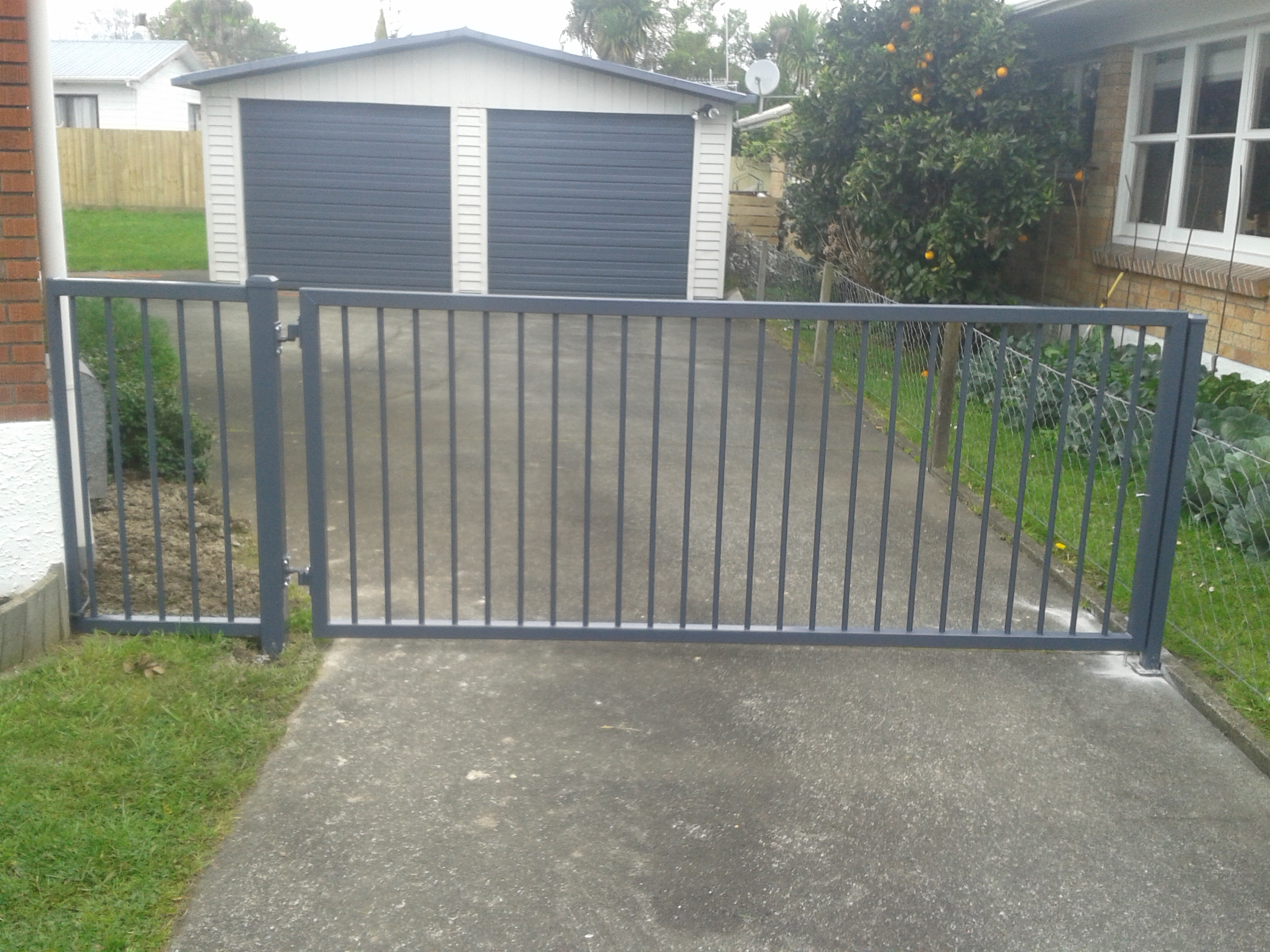 CDM1 Profile swing gate