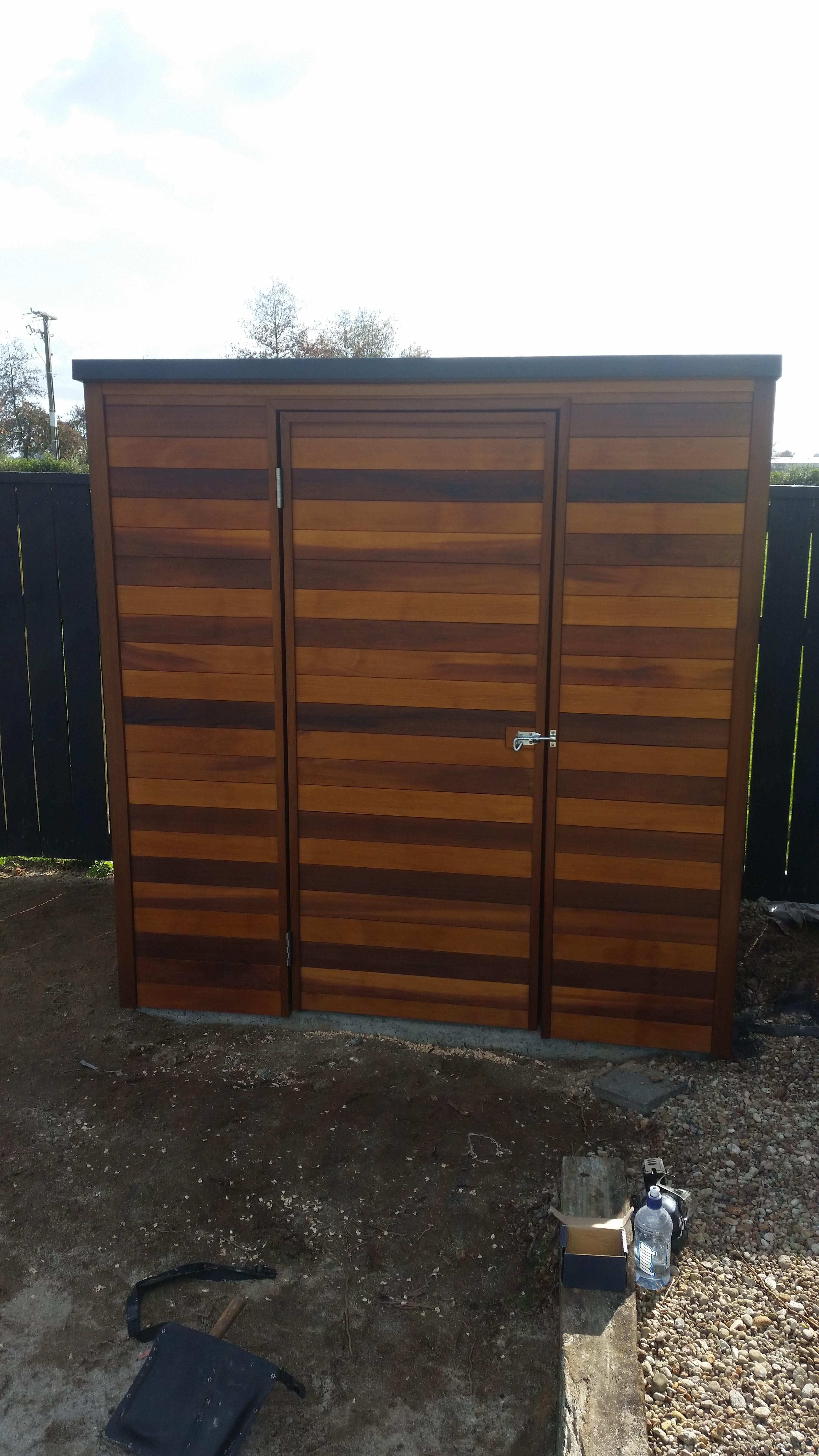 Cedar shed 2x coats 1