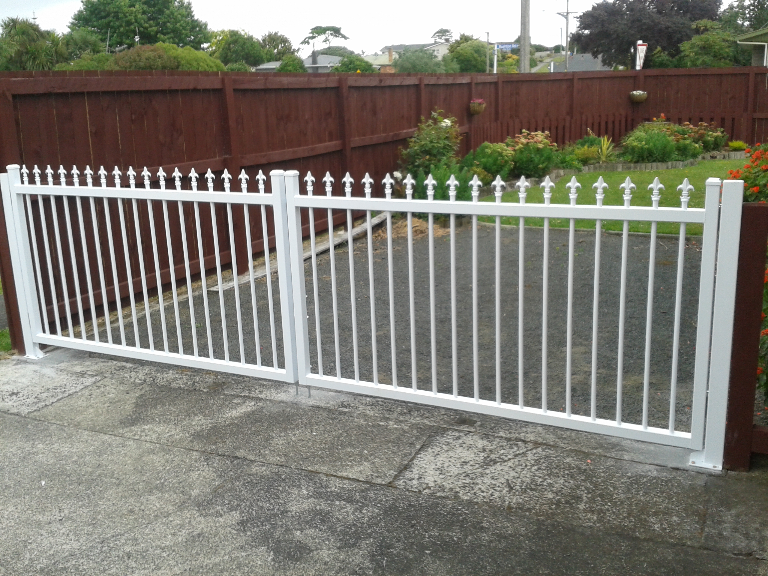 CDM5 Double swing gates