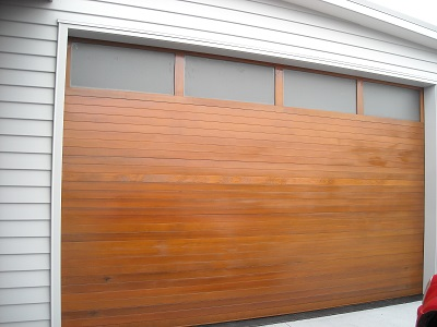 Horizontal_cedar_with_windows_1