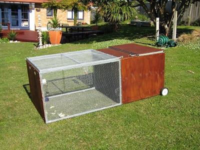 Custom_rabbit_cage_(closed)_1