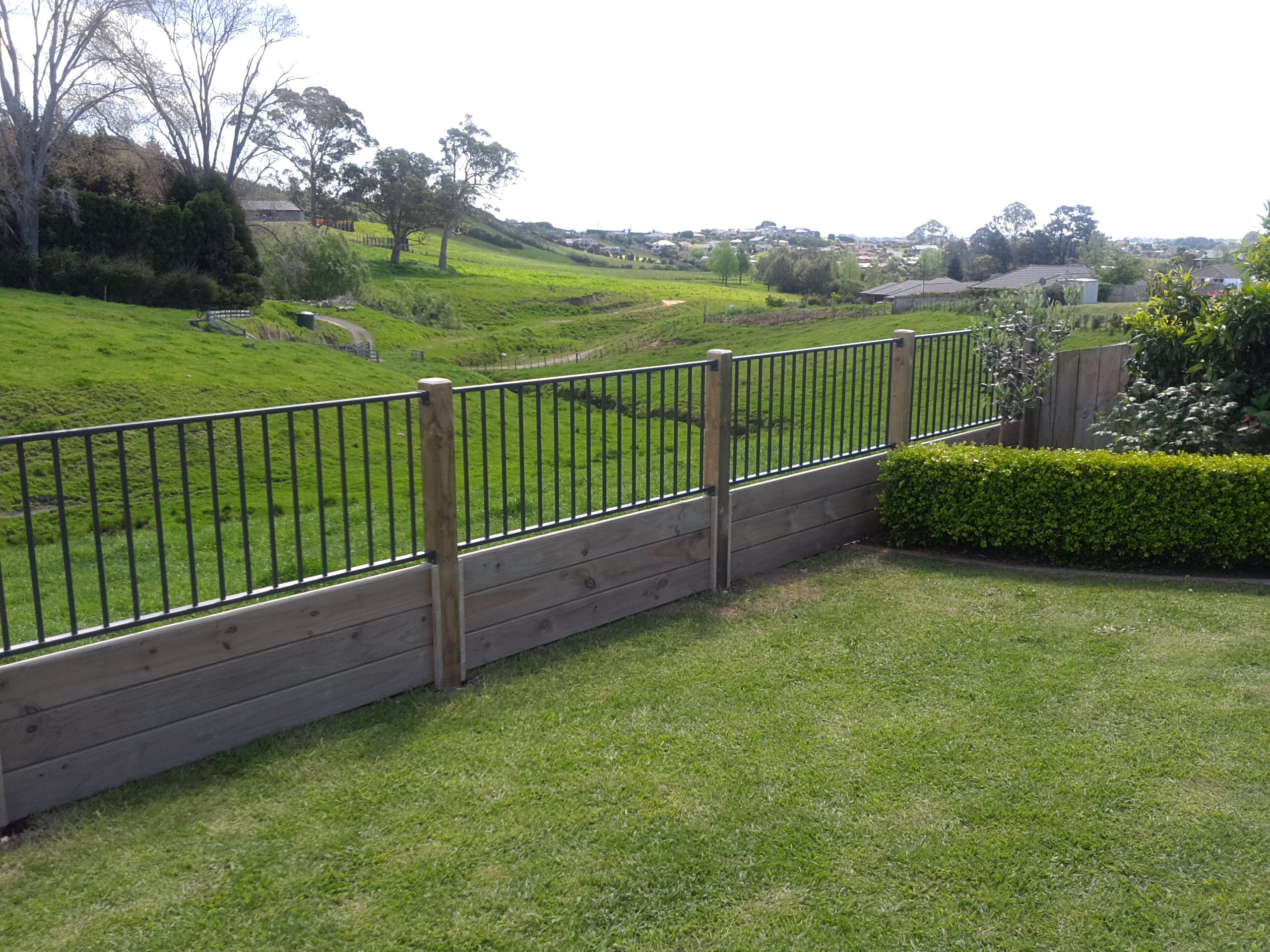 Custom timber and aluminium fencing