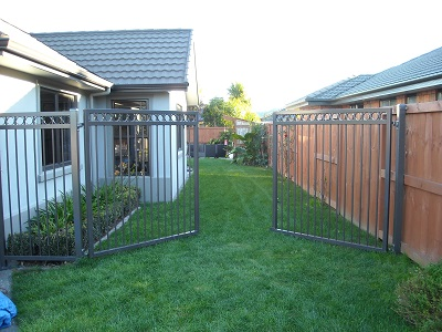 Aluminium_double_gates_powder_coated_Ironsand_1