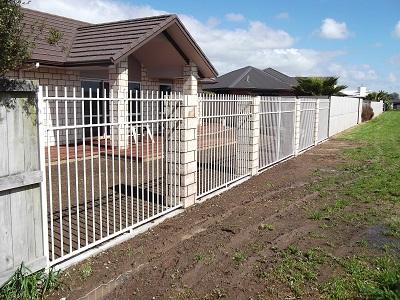 Custom aluminium fencing