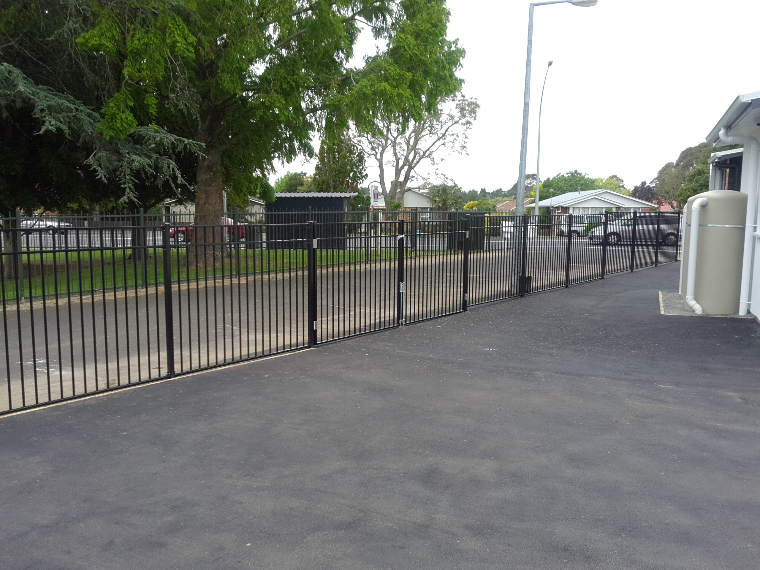 1.5 H CDM 7profiled aluminium fence