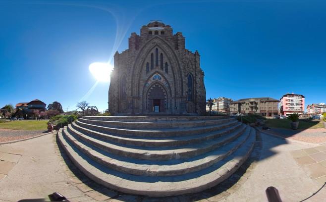 Fachada Catedral de Pedra