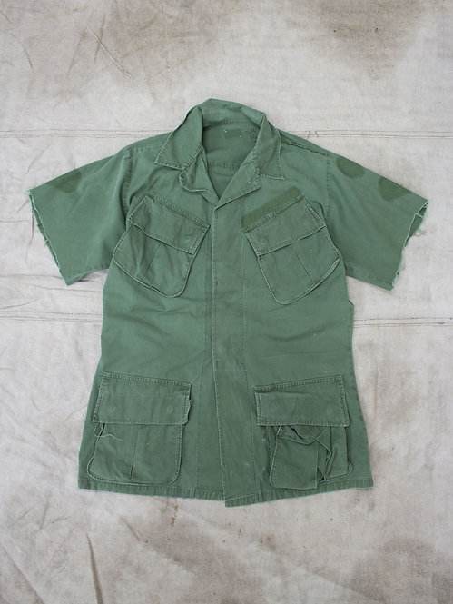 Vtg US Army Jungle Jacket w/ Cutoff Sleeves (M-Long)