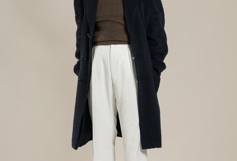 Casatlantic | Tanger - The Officer's Cut | High waisted white cotton trousers with double forward facing pleats
