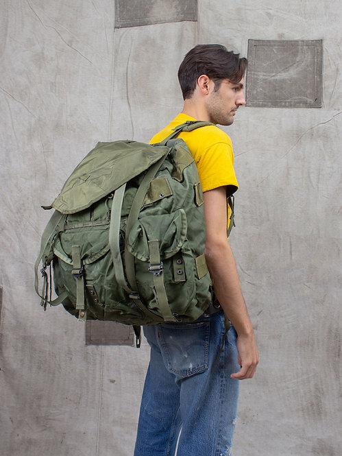 "Vtg US Army ""Alice"" Backpack (Large)"