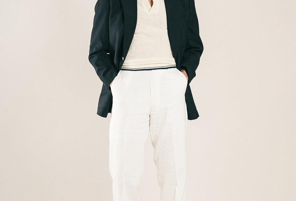 Casatlantic trousers. Model: El Jadida. Color: White. Material: linen/cotton. Made in Casablanca.