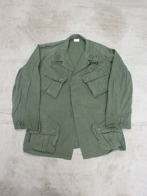 Vtg 1970 Dated US Army Jungle Jacket (Small-Reg)