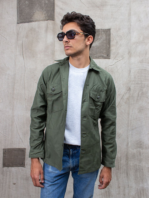Deadstock US Army OG-107 Type III Fatigue Shirt (Small)
