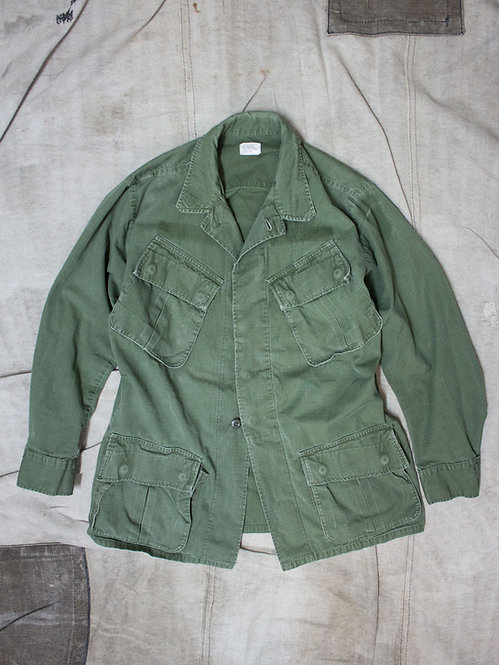 Vintage 1960s US Army - Navy - USMC Jungle / Tropical Jacket with slant pockets
