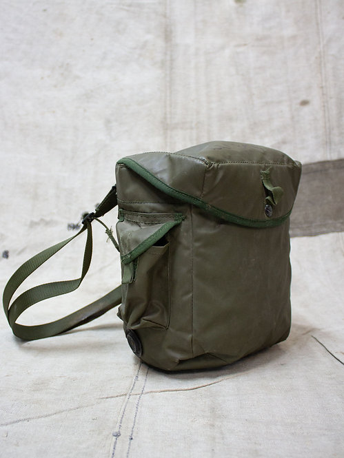 Vintage 1970s british army gas mask bag. Fits perfect as a camera bag